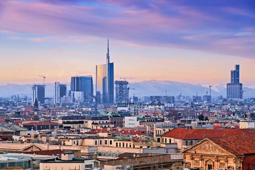 Milano Skyline città e poesia