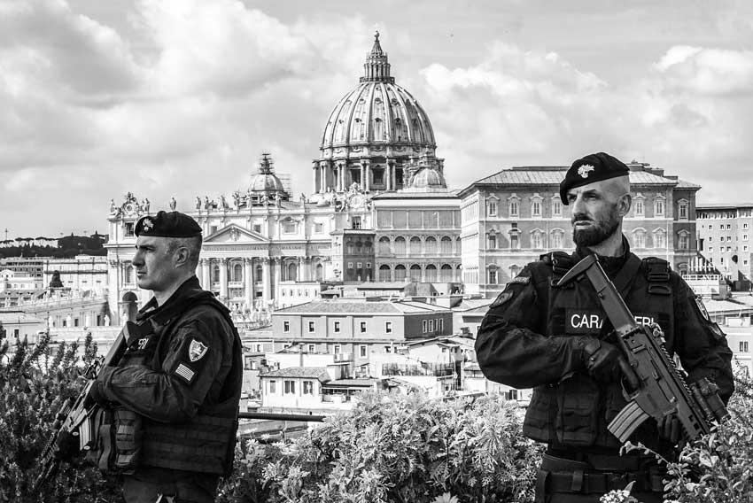 Città ai tempi dell'Isis San Pietro