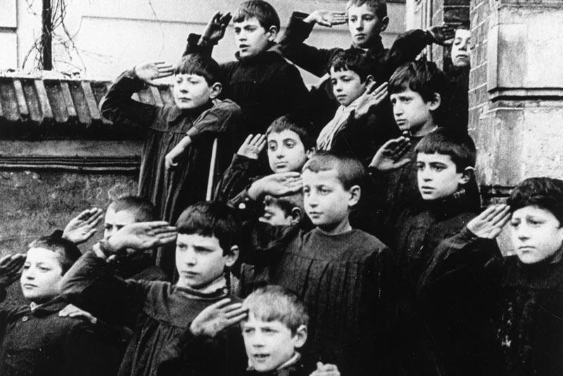 Fotogramma da Zero in condotta, di Jean Vigo (1933)