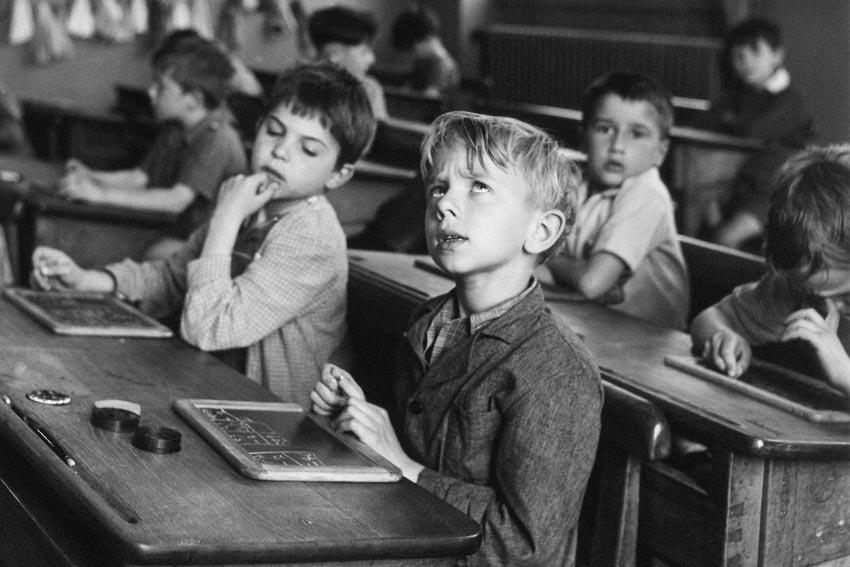 Robert Doisneau, L'informazione scolastica, Parigi, 1956