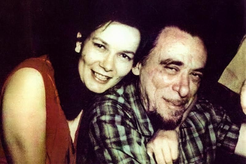 Charles Bukowski con Linda King